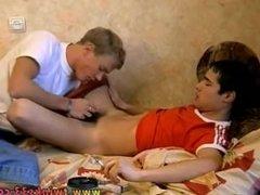 Guy fucks gay twink in the shower Roma & Marivelli Smokesex