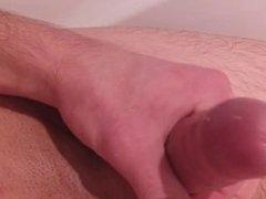 masturbieren in der Badewanne