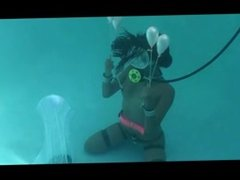 Underwater self bondage