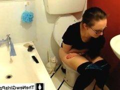 Claudiakink pooping on toilet