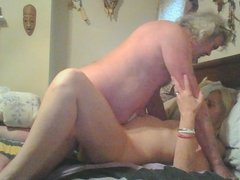 hubby eating that pussy good
