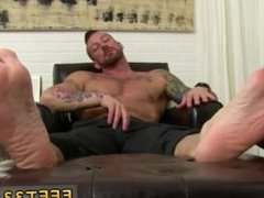 Gay fuck Hugh Hunter Worshiped Until He Cums
