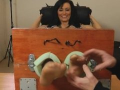 Kelly Carter comes to UK Tickling