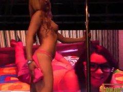 Hot blnde strp pole dance on stage