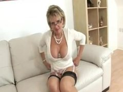 LADY SONIA I like to get hot & wet