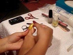 Cutting long toenails (xbabidollx)