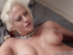 Horny Milf ow gets pounded by a boy half her age readnfo M0RM14Z
