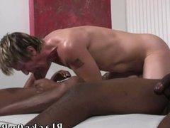 Blonde whiteboi gets gangbanged by black men