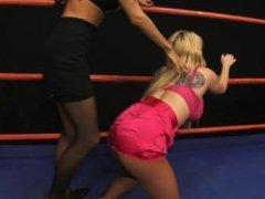 Catfight Christie v Idelsy