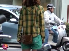 Street Wetting Girls 2