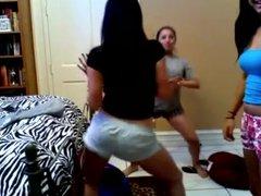 Girls shaking asses