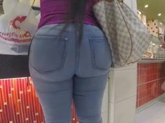Phat Black Ass in The Mall