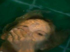 [FFF] Teen Monroe Masturbaating in Bath with Cum Countdown