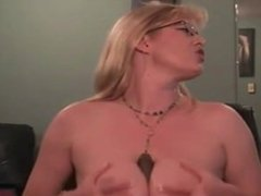 Women Gives Two Huge Squirts