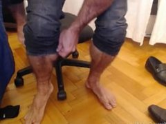 Big Muscle Daddy Matt shows you his huge hairy and very muscular form