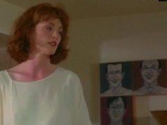 Julianne Moore – Shows Her Ginger Bush – Short Cuts (1993)