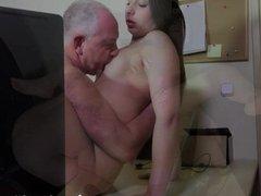 Teen Carla gets fucked and facialied