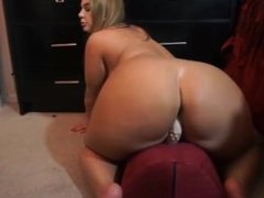sexy milf with big ass rides dildo - www.fapfaplers.top