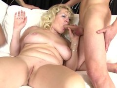 Sexy amateur mature moms fuck young boys