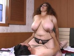 AgedLove chubby brunette horny man and bed gr