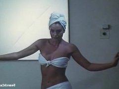 Monica Bellucci - Vita coi figli (1990)