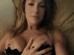 Wendy Fun at Home - amateur-fetish.com