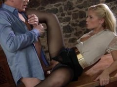 Blonde in pantyhose get fucked