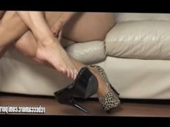 Horny lesbian babes toe fuck then suck and wank off hunks big juicy cock