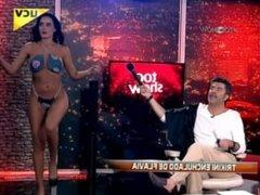 Puta Flavia en trikini en vivo
