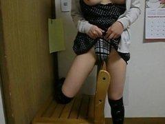Masturbandose en la silla