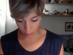 very beautiful short hair girl - www.faptime.top
