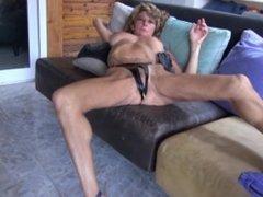 mature wild woman masturbate