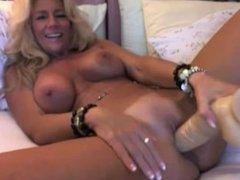 camskiwi.com - stunning blonde mature on cam