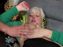 Mature mother takes to bed young guy