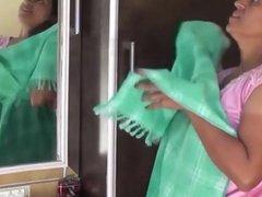 Desi B-Grade Softcore Aunty Boob Show
