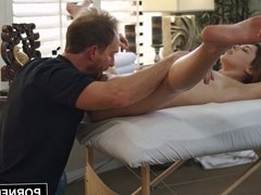PORNFIDELITY - Leah Gotti Gets Her Pussy Massaged By Cock