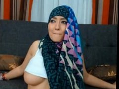 teaser: muslim gal with nice tits and fat ass