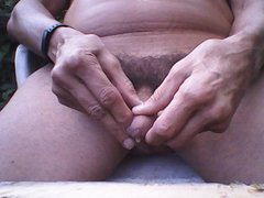 MATURBATING MY HAIRY COCK OUTDOORS