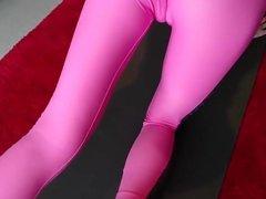 teen cameltoe in sexy yog pants
