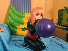 Latex kigurumi popping latex balloon