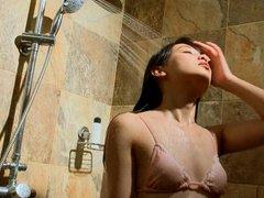 YUI Melotrance - Girl Bikini Showering (Non-Nude)