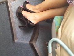 french black legs in the bus jambes de black dans le bus