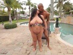 Exotic BBW Bikini Babe Christy Live