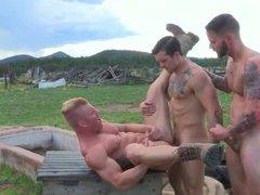 Threesome In Nature   CumFeastOnCam com