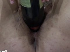 fatty fuck his hairy pussy, and a bottle of hand!