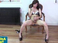 Thai shemale Naomi tugging in stockings