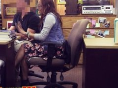 Pawnshop amateur in spex makes cash deal