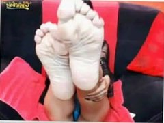 Country Greec Mif Show her soles Foot on Webcam