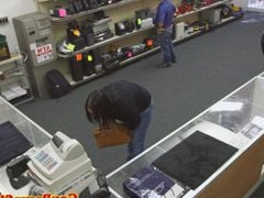 Pawnshop thief caught in the act