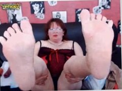 Older Mature Woman bbw Show me her Soles Foot On Webcam